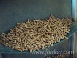 null - Wood pellets made from 80% Bosnian beechwood, 20% fir/spruce