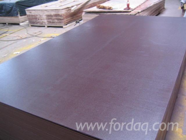 Anti-slip-brown-film-faced-plywood--poplar-core