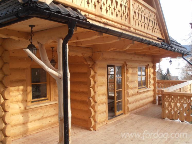 Casa di tronchi canadese for Case in legno polonia