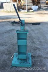 Find best timber supplies on Fordaq - Used ZAKLAD METALOWY STEFAN DROZDOWSKI Sharpening Machine in Romania