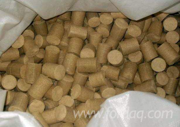 Briquette-Nestro-pine-and-oak-for