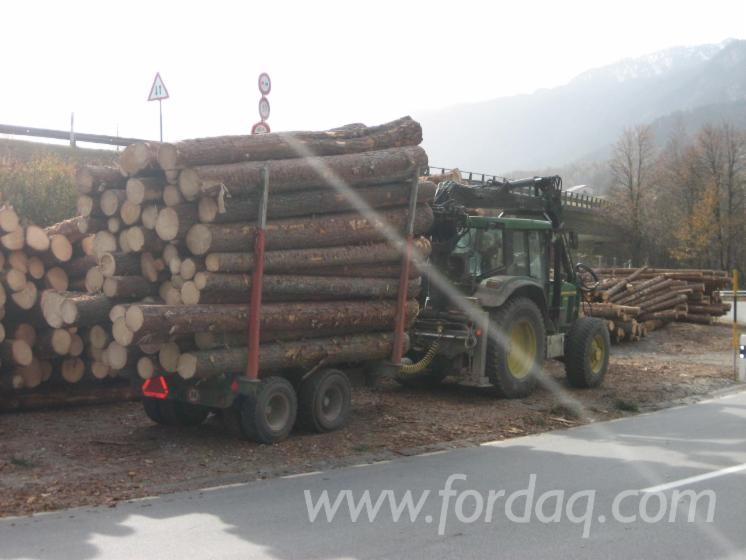 Skidding---Forwarding--Forest-Tractor