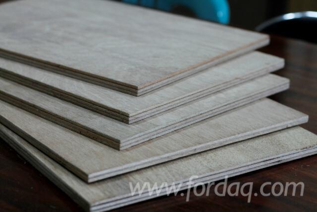 Natural-Plywood--Meranti--dark-red-%28Nemesu