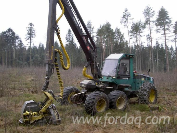 Skidding---Forwarding--Harvester