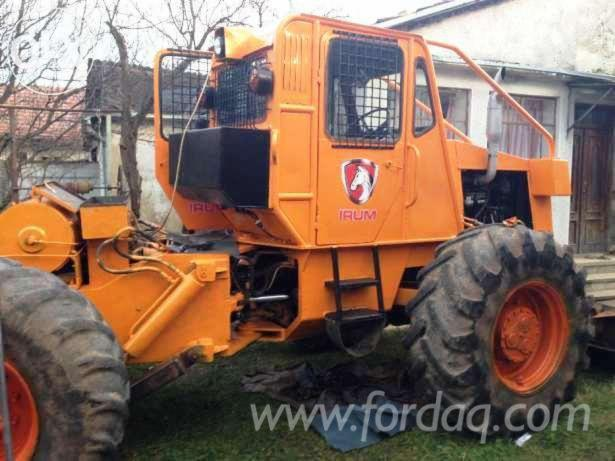 Used-Articulated-Skidder-in