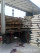 Laubholz  Blockware, Unbesäumtes Holz Litauen - Loseware, Esche