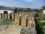 Firelogs - Pellets - Chips - Dust – Edgings FSC - Wholesale FSC Hornbeam Firewood/Woodlogs Cleaved in Romania