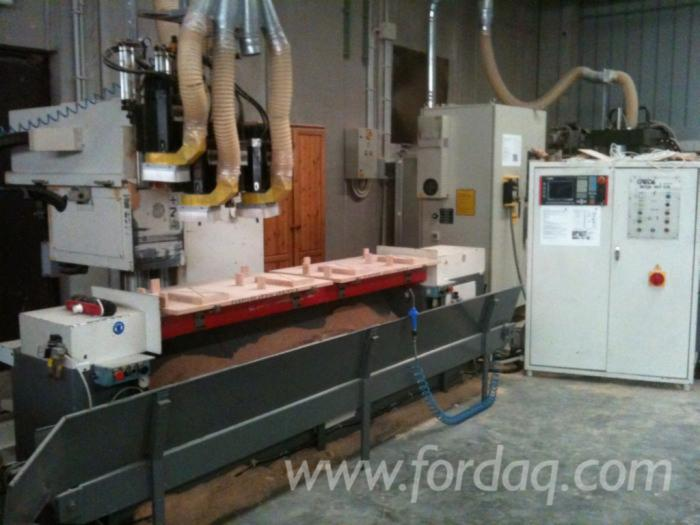 Used-CNC-machining-center-in