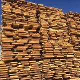 毛边材-木材方垛, 橡木