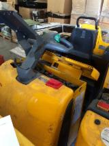 Jungheinrich Woodworking Machinery - Used Jungheinrich ECE20 2002 Front Stacker For Sale Italy