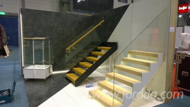 oak-panels-for-stairs