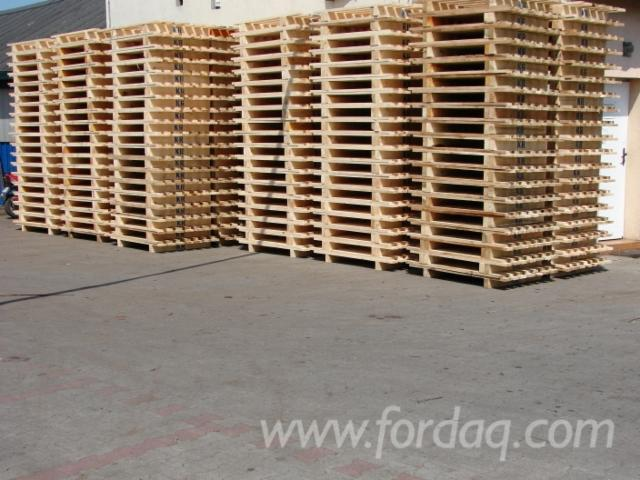 Wooden-pallets-1300x1000