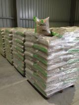 Wholesale  Wood Pellets Spruce Picea Abies - Whitewood - Wooden pellets of the Premium class