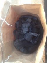 Pellets, Bricketts und Kohle, Holzkohle, Laubholz