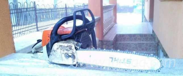 Used-----Chain-Saw-%28Non-Transportable%29-For-Sale-in