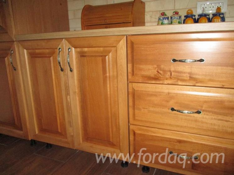 Traditional Tilia (Lime Tree) Bait, Grund , Lac Kitchen Sets Romania