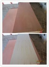 Wholesale  Natural Plywood Okoumé Gaboon, Okaka, Azouga - 2.7mmx715x2120/815x2120/915x2120mm okoume and bintangor plywood door skin