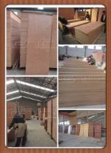 Drewno Afrykańskie, Drzwi, Okoumé