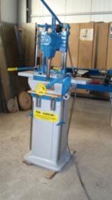 Drilling - Boring - Dowelling - Turning, masina de frezat cu lant