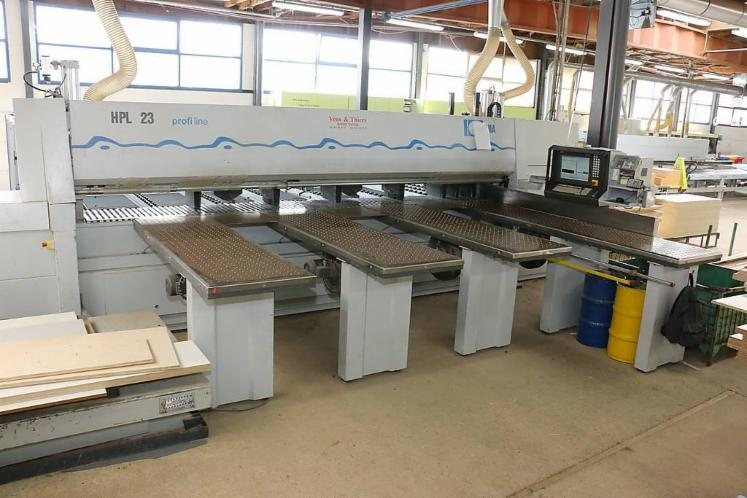 For-sale--Panel-Saw-with-Lift-Table---HOLZMA-HPL