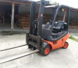 Linde Woodworking Machinery - Used Linde Front Stacker For Sale Romania