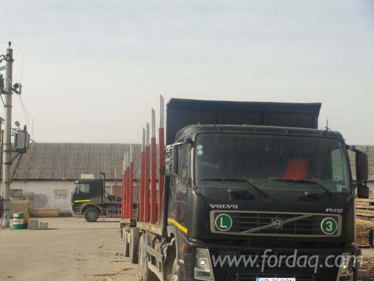 Used-2005-Volvo-Longlog-Truck-in