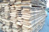 Laubholz  Blockware, Unbesäumtes Holz - Robinie-Blockware