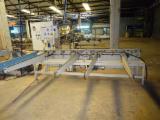 Woodworking Machinery Romania - Used 2001 makor Linia de lacuire elemente profilate in Romania