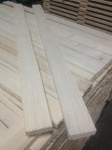 Coniferous pallet elements