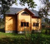 Holzhäuser - Vorgeschnittene Fachwerkbalken - Dachstuhl - Tanne