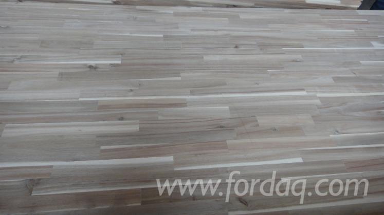 Acacia-wood