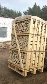 Firewood cleaved (split firewood) from belarus / biofuel / wood / firewood Brennholz gespalten/Brennholz / split firewood / cleaved firewood