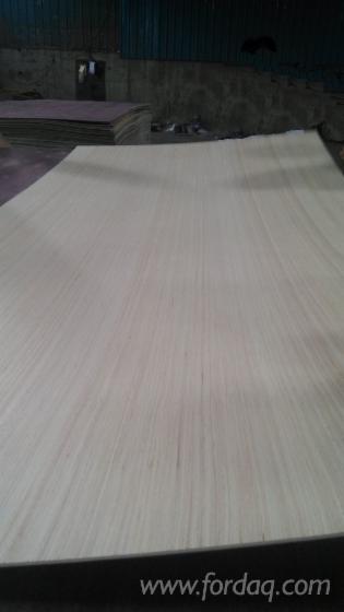 White-face-plywood--hardwood-plywooc