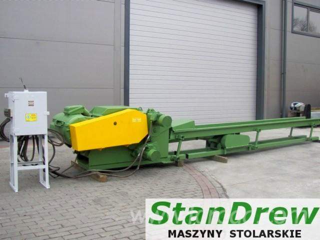 -Chipper-feeder-to-the-sawmill-edgings-LINDNER-type-T-400--
