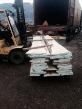 Laubholz  Blockware, Unbesäumtes Holz - Einseitig besäumte Bretter, Buche