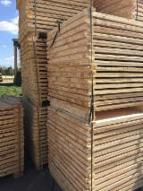 Sawn Timber Pine Pinus Sylvestris - Redwood - Pallet boards