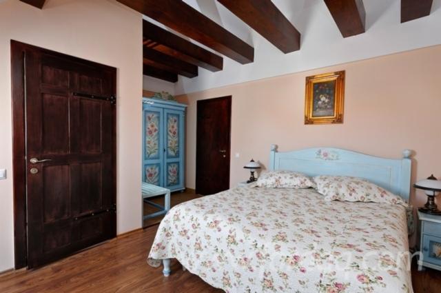 Contemporary-Fir-%28Abies-Alba%29-Hotel-Rooms