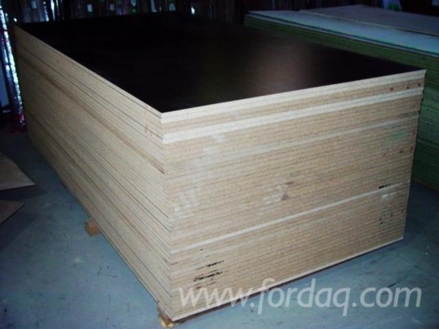 Plywood-%E2%80%93-Siyah-Film-Kapl%C4%B1--Kavak