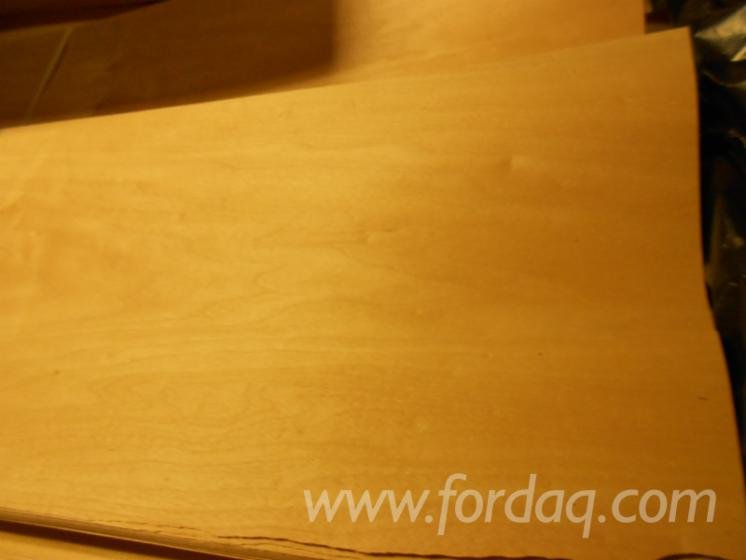 Maple-sliced-veneer---Spitzahorn