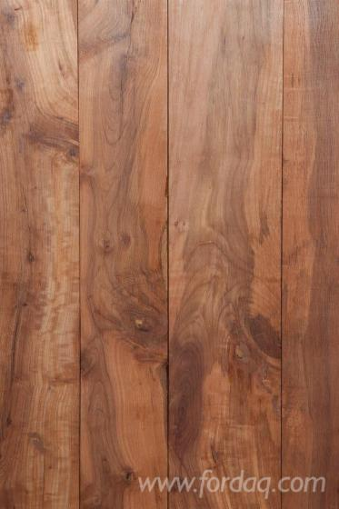 Reclaimed-wood-panel-for