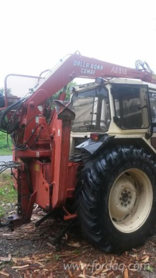 Lamborghini-tractor-with-crane-and