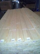 Trouvez tous les produits bois sur Fordaq - LAMINAR, S.A. - Vend Placage Naturel Pin - Bois Rouge