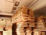 Laubschnittholz, Besäumtes Holz, Hobelware  Zu Verkaufen Slowenien - Bretter, Dielen, Bergahorn