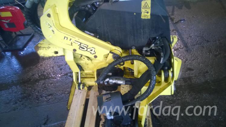 Used-2011-John-Deere-H754-Harvester-Aggregates-in