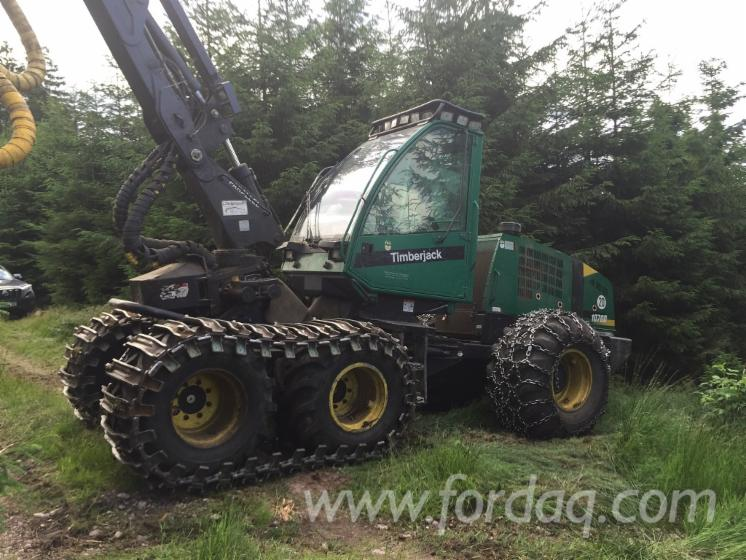 Used-2004-Timberjack-1070D-Harvester-in