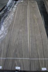 Sliced Veneer Italy - Walnut veneer offer