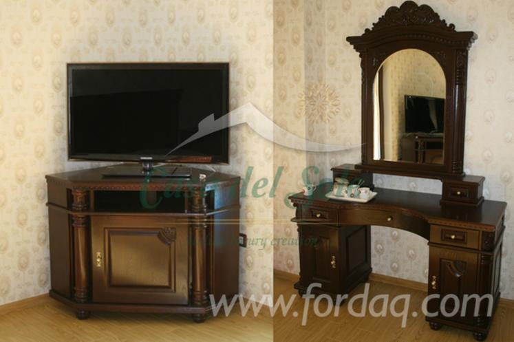 Vend-Tables-TV-Epoque-Feuillus-Europ%C3%A9ens-Ch%C3%AAne