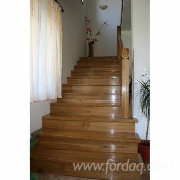 Hardwood-%28Temperate%29--Stairs