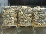 Wholesale  Firewood Woodlogs Cleaved Romania - Wholesale All broad leaved specie Firewood/Woodlogs Cleaved in Romania