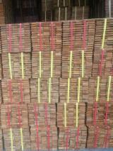 Pavimentazione In Legno Massiccio Asia - Vendo Parquet Ad Incastro Maschio / Femmina Teak 18 mm